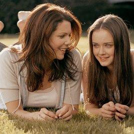"""""""Gilmore Girls"""": Erste Bilder vom Set kündigen weitere Rückkehrer an"""