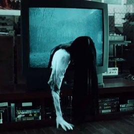 """Trailer lässt Horror-Figuren aus """"The Ring"""" & """"The Grudge"""" aufeinander los"""