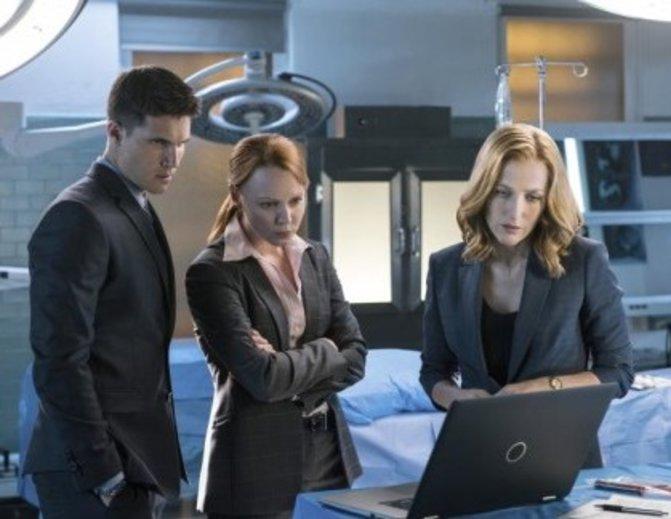 Was können die neuen Agenten Miller und Einstein von Scully lernen? ©FOX/Prosieben