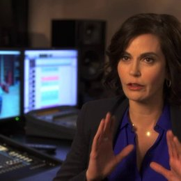 Teri Hatcher - Originalstimme Dottie - über Dottie - OV-Interview