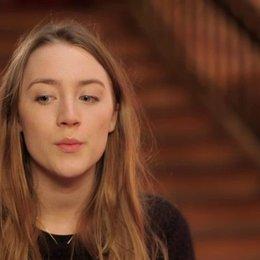 Saoirse Ronan - Agatha - über die Arbeit mit Wes - OV-Interview Poster