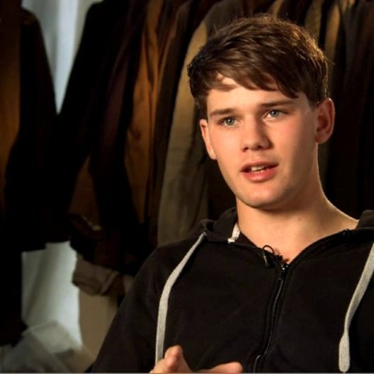 Jeremy Irvine (Albert Narracott) über seine Rolle Albert - OV-Interview