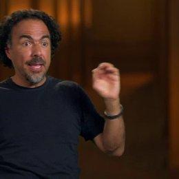 Alejandro González Inárritu (Regisseur  Autor  Producer) darüber, die Besetzung auf das Single Take Experiment vorzubereiten - OV-Interview