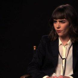 Ana Coto über Sarahs Glauben an das Ouijabrett - OV-Interview