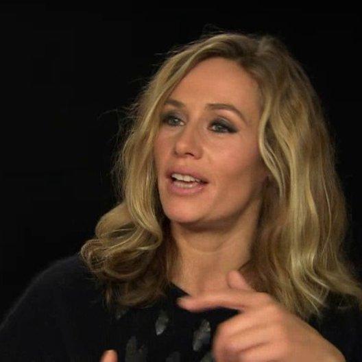 Cecile de France - Isabelle - über die Entwicklung der Charaktere - OV-Interview Poster