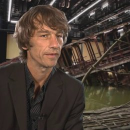 Boris Schönfelder -Produzent- über das Besondere an der Geschichte - Interview Poster