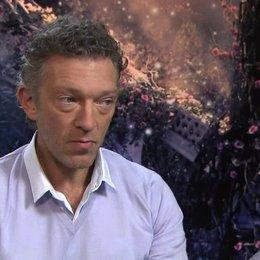 Vincent Cassel - Prinz und Biest - über das Arbeiten vor dem Greenscreen - OV-Interview Poster