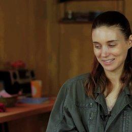 Rooney Mara über Regisseur Stephen Daldry - OV-Interview Poster