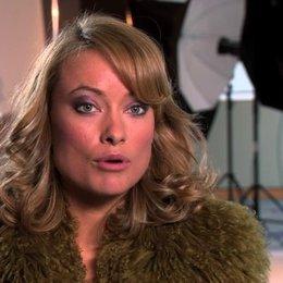 Olivia Wilde -Suzy Miller- über James Hunt und Niki Lauda - OV-Interview Poster