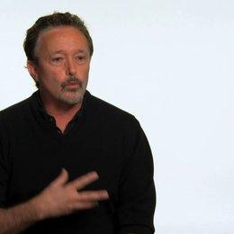 Jason Clark über die Zusammenarbeit mit Seth MacFarlane - OV-Interview Poster