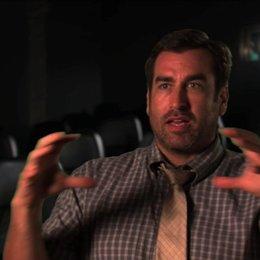 Rob Riggle über die Fernsehserie 21 Jump Street - OV-Interview Poster
