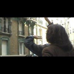 Mona Achache (Regie) über Palima und die Concierge Renee, sowie die Wichtigkeit der Ausstattung - OV-Interview Poster