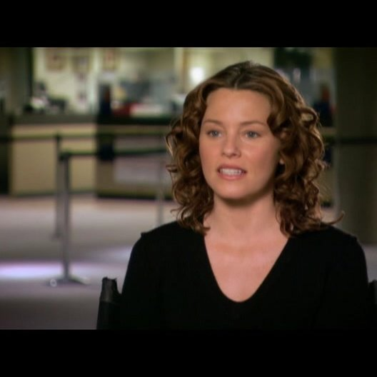 Elizabeth Banks (Lara Brennan) über John Brennan - OV-Interview