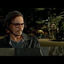 Johnny Depp über sein Interesse an Dillinger - OV-Interview Poster
