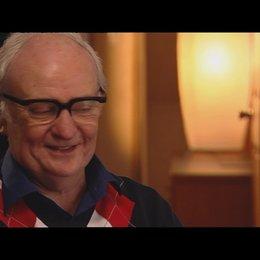 JIM BROADBENT - Denis Tatcher - über das, was das Publikum lieben wird - OV-Interview