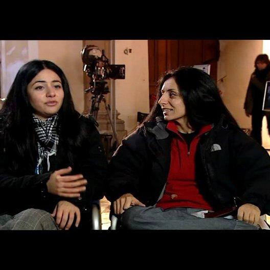 Yasemin Samdereli und Nesrin Samdereli (Regie und Drehbuch) über die Zusammenarbeit mit einem deutsch-türkischen Team - Interview