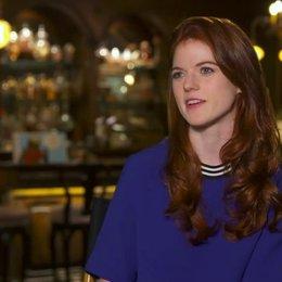 Rose Leslie - Chloe - über Chloe - OV-Interview