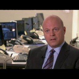 Interview mit Michael Chiklis (Verteidigungsminister Callister) - OV-Interview Poster