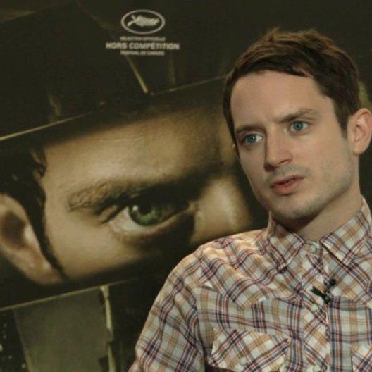 Elijah Wood über das Original und den Reiz eines Remakes - OV-Interview Poster