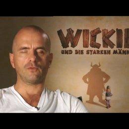 Christoph Maria Herbst über seine Filmrolle als Pokka (1. Antwort) - Interview Poster