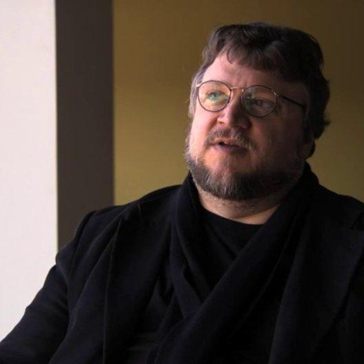 Guillermo del Toro über die unaufhaltbare mütterliche Liebe - OV-Interview Poster