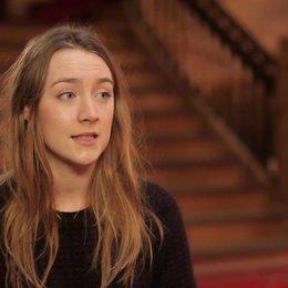 Saoirse Ronan - Agatha - über Tony Revolori als Zero - OV-Interview Poster