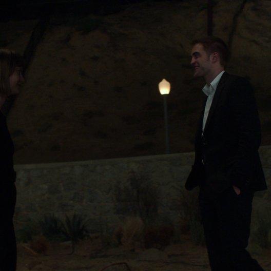 Jerome und Agatha treffen sich unter dem Hollywood-Schriftzug - Szene Poster