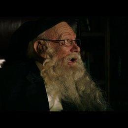 Aidan Bloom spricht mit dem Direktor der jüdischen Schule - Szene Poster