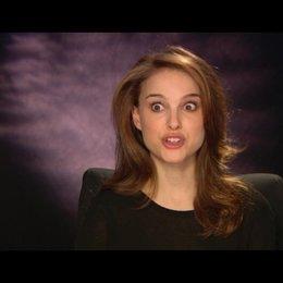 Natalie Portman über die Unterschiede zwischen Nina und Lily - OV-Interview