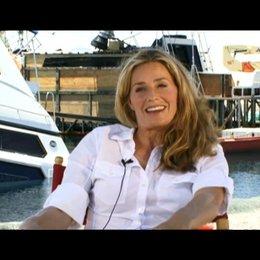 Elisabeth Shue (Julie Forester) über das, was die Zuschauer erwartet - OV-Interview
