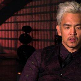 John Cho über was mit Doug Quaid passiert als er zu Rekall kommt - OV-Interview Poster