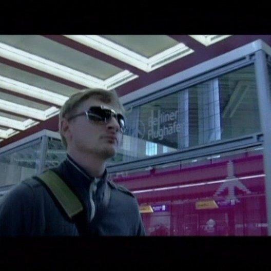 Maik landet wieder in Berlin - Szene