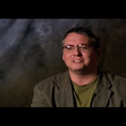 Adam McKay - Regie, Drehbuch, Produzent über die Arbeit mit Will Ferrell - OV-Interview Poster