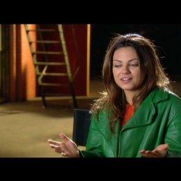 Mila Kunis über die Story - OV-Interview Poster