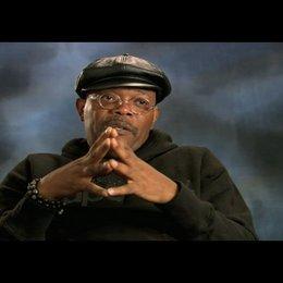 """Samuel L. Jackson - """"P.K. Highsmith"""" über die Arbeit mit Dwayne Johnson - OV-Interview Poster"""
