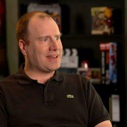 Kevin Feige - Produzent - über die Beziehung zwischen Tony und Pepper - OV-Interview Poster