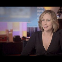Vera Farmiga - Alex Goran / über die weibl. Figuren in Jason Reitmans Filmen - OV-Interview Poster
