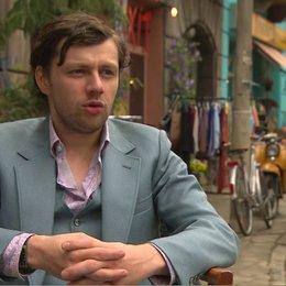 CHRISTIAN FRIEDEL - Andrej - über den Inhalt des Films - Interview Poster