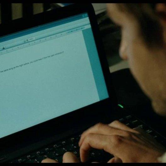 Rory schreibt das Manuskript Wort für Wort ab - Szene