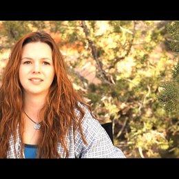 Amber Tamblyn über lange Einstellungen - OV-Interview Poster