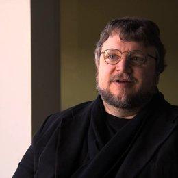 Guillermo del Toro über den Film als verzwicktes Märchen - OV-Interview Poster