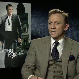 """Daniel Craig über seine Vorbereitungen für """"Casino Royale"""", die Action-Szenen und den Medienrummel. - OV-Interview Poster"""
