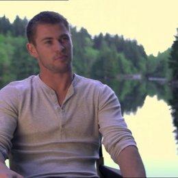 Chris Hemsworth über Zuschauerreaktionen - OV-Interview Poster