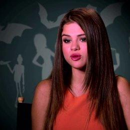 Selena Gomez über die Geschichte - OV-Interview Poster