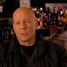Bruce Willis (John McClane) über seine Rolle - OV-Interview Poster