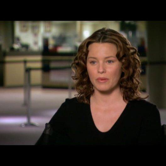 Elizabeth Banks (Lara Brennan) über den Film - OV-Interview Poster