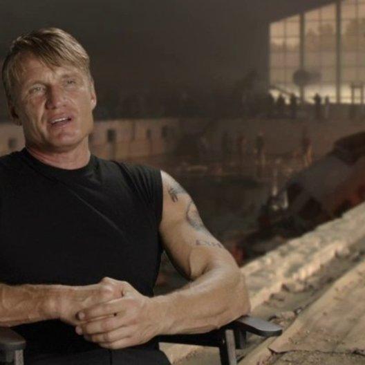 Dolph Lundgren - Gunnar Jensen - über die neuen Expendables - OV-Interview Poster