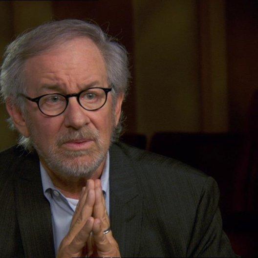 Steven Spielberg (Regisseur-Produzent) über den Film als ein Geschenk - OV-Interview Poster