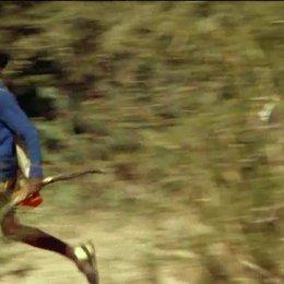 Jackson und Salome flüchten vor den Elefanten - Szene