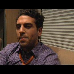 Elyas MBarek über Hilfe bei Liebeskummer - Interview